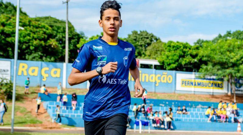 Atleta Samuel Vinícius disputará a prova de 2.000 metros rasos enfrentando 2.300 metros de altitude